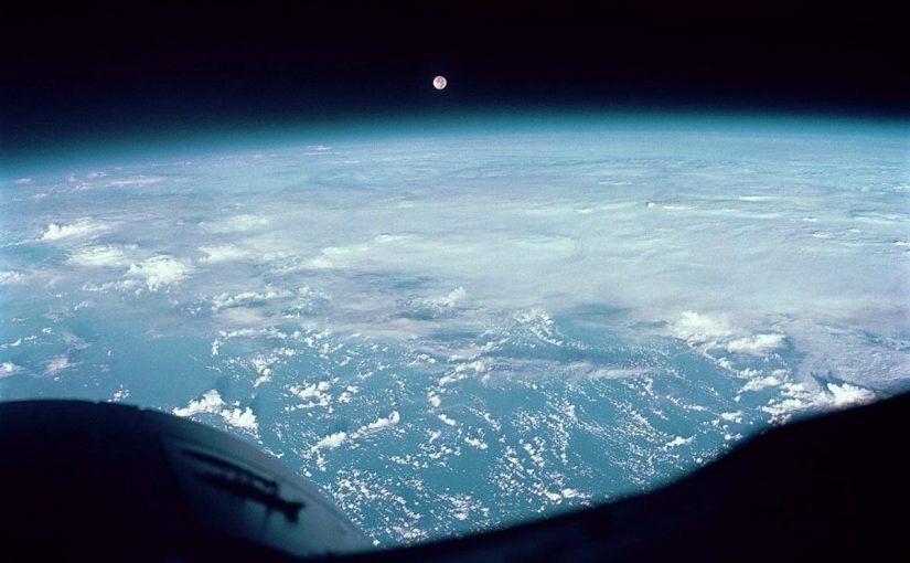 Photo of a full moon over the Pacific, taken by the Gemini 7 crew